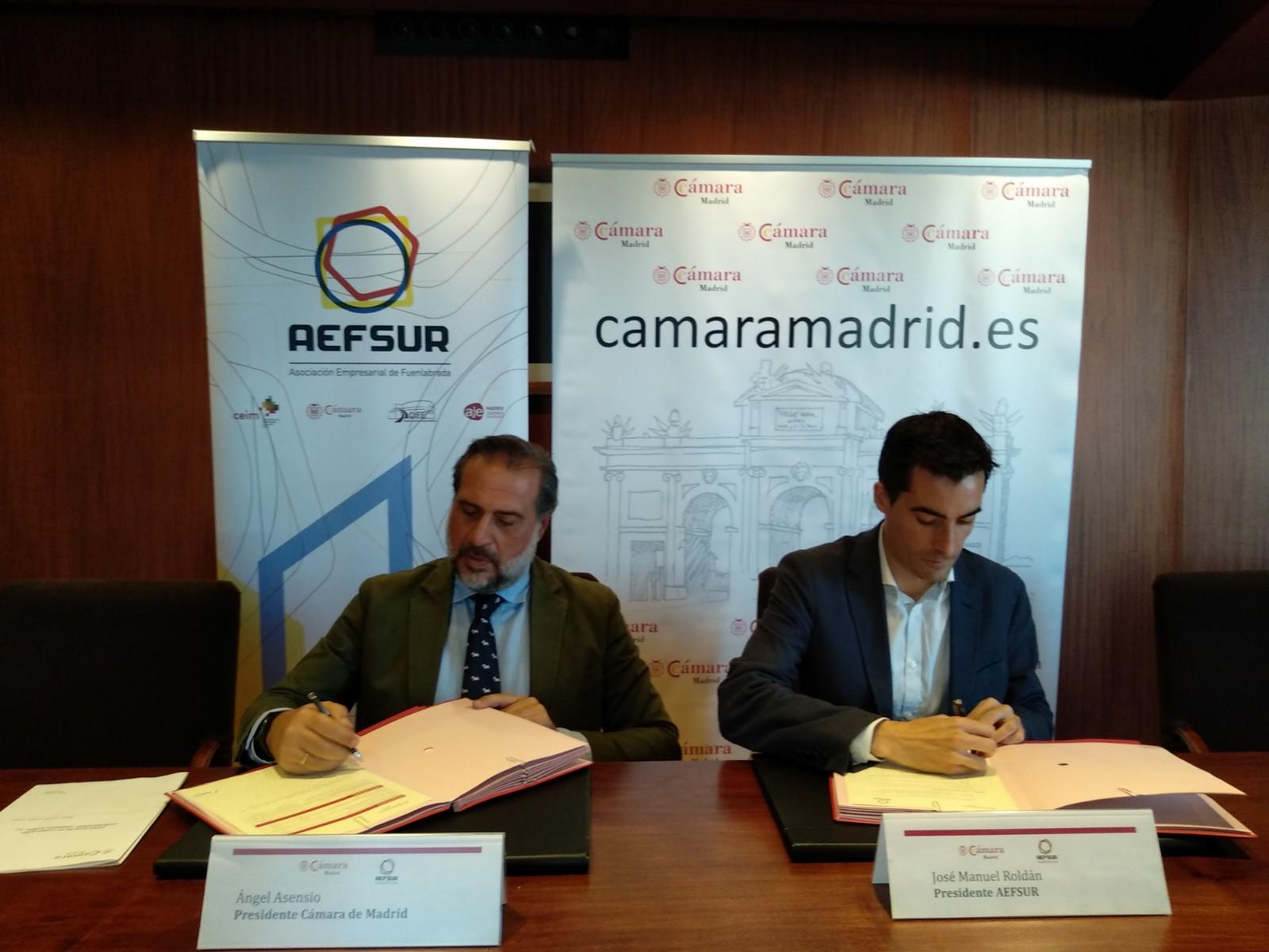 Firma acuerdo colaboración AEFSUR y Club Cámara